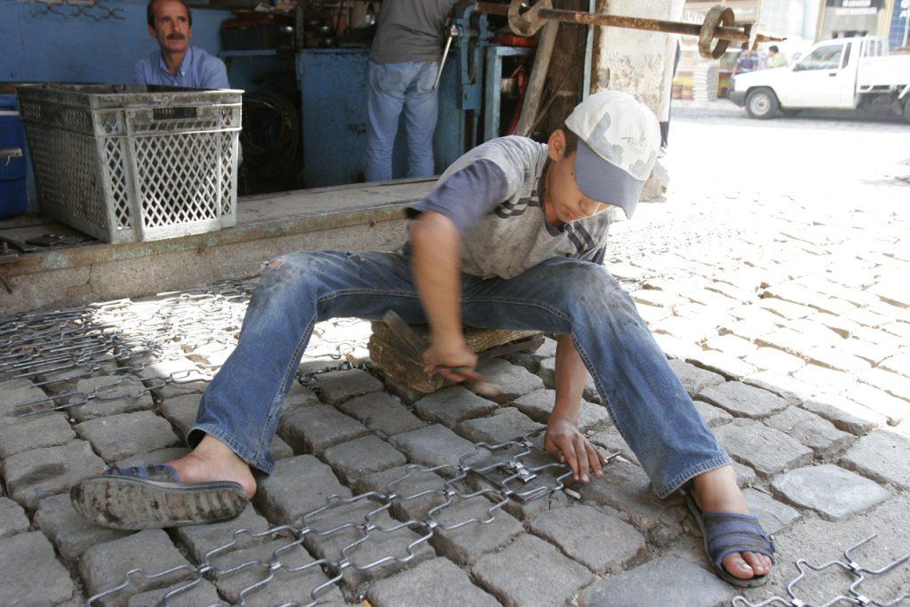 Diyarbakir -  Metallwerkstätte - produktion von Gittern für Schaufenster
